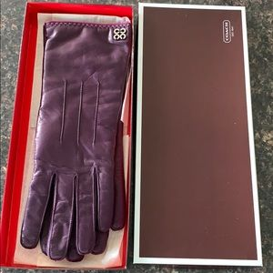 Never worn coach leather gloves